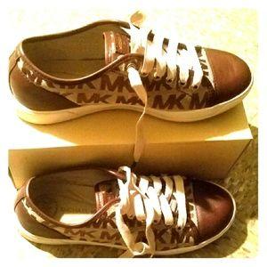 Womens Michael Kors Sneaker -7 1/2